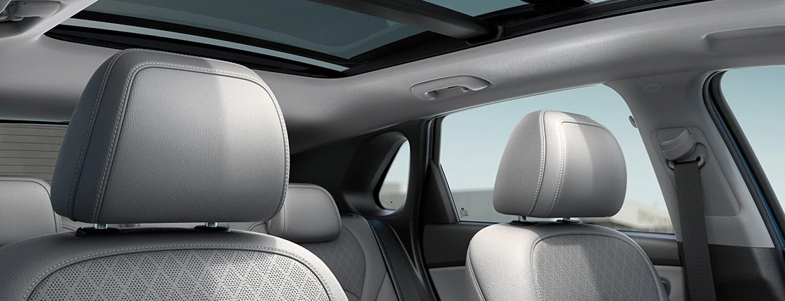 i30 pd 5dr gallery gray interior sunroof opened clear day pc